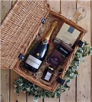 Local Gourmet Champagne Wicker Gift Hamper